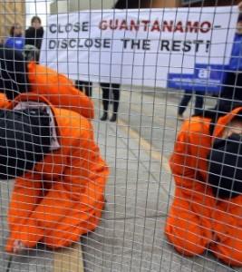 2007-2-1-72976959guantanamo-300x336